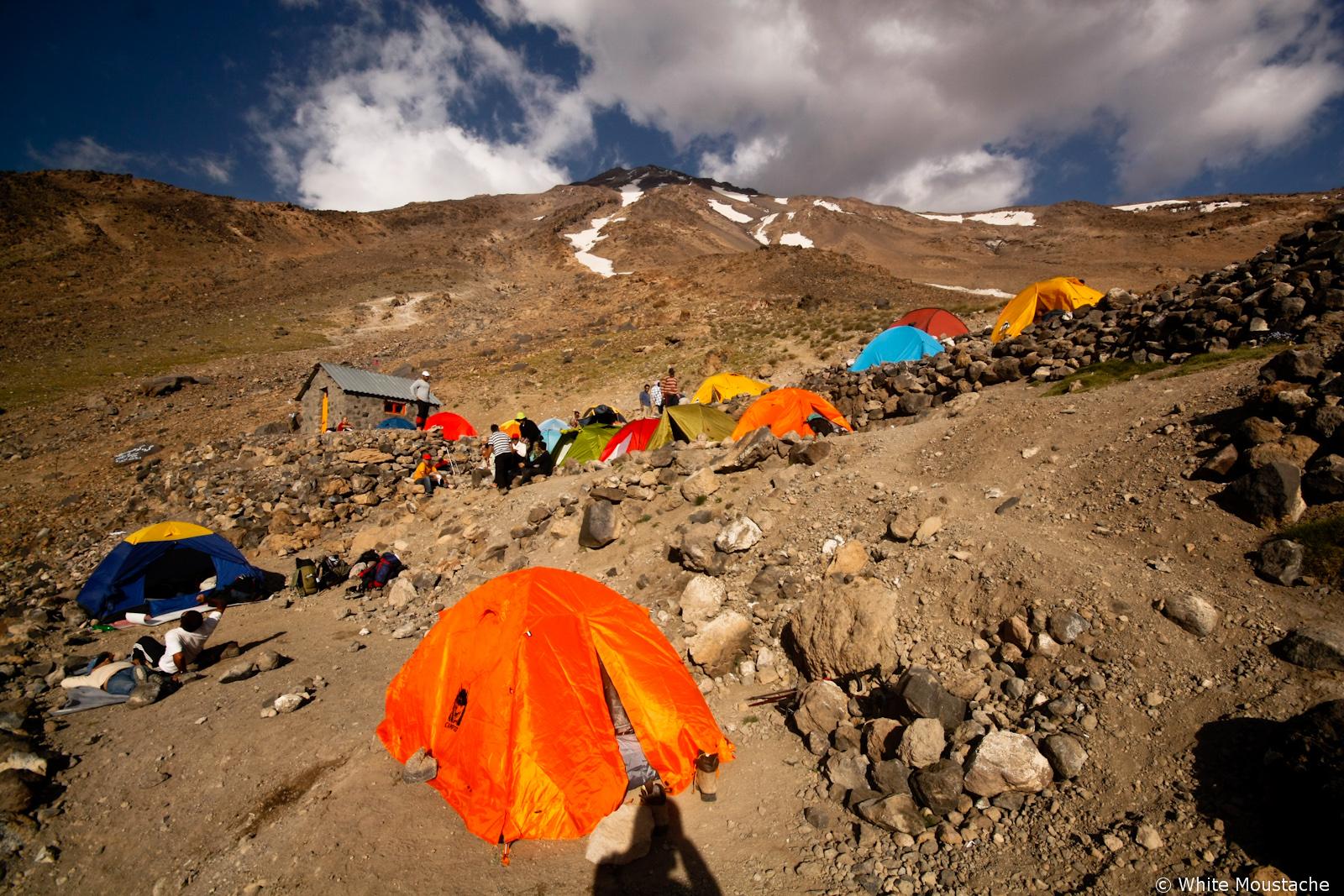 Obóz koło chaty Simond (4300m)