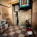 Ramadan... restauracje zaklejone gazetami, ale działająca :)