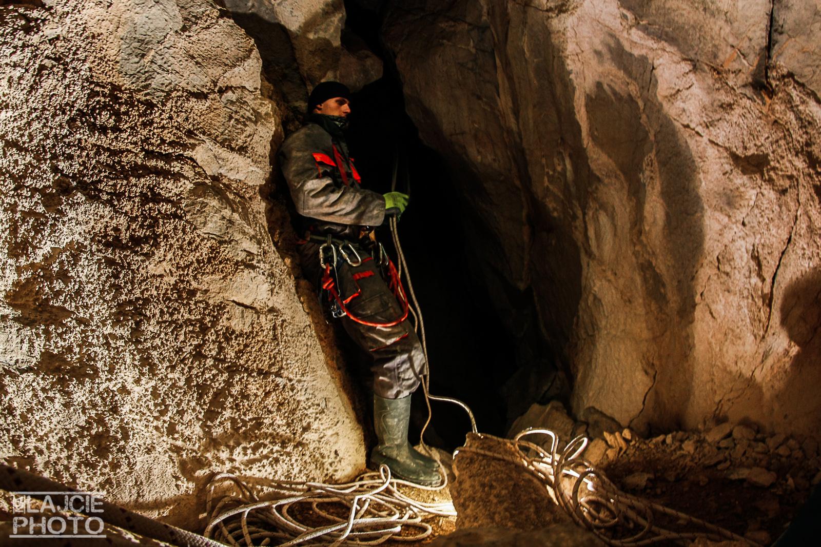 techniki linowe w jaskini...