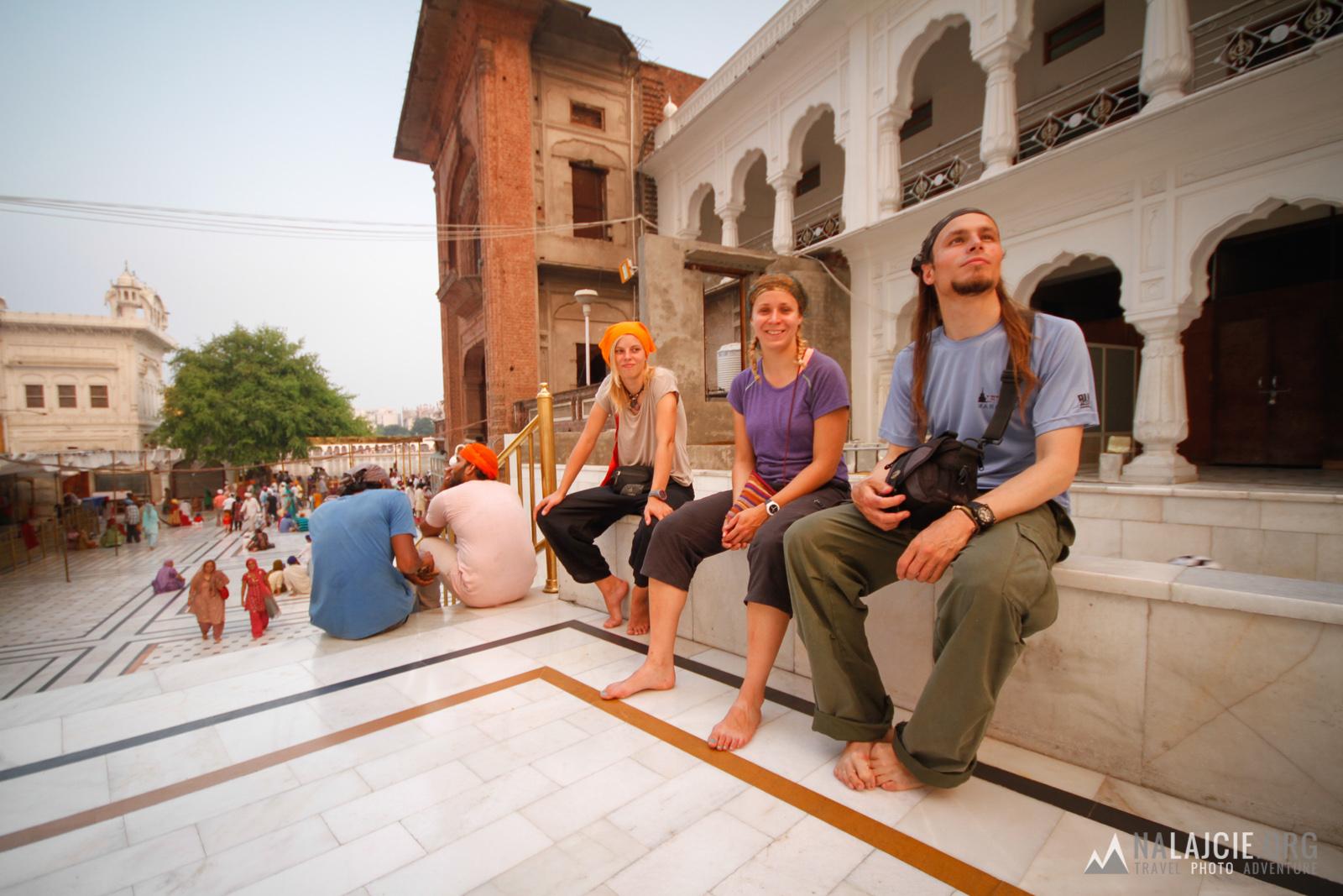 Zwiedzanie świątyni obowiązkowo na bosaka!