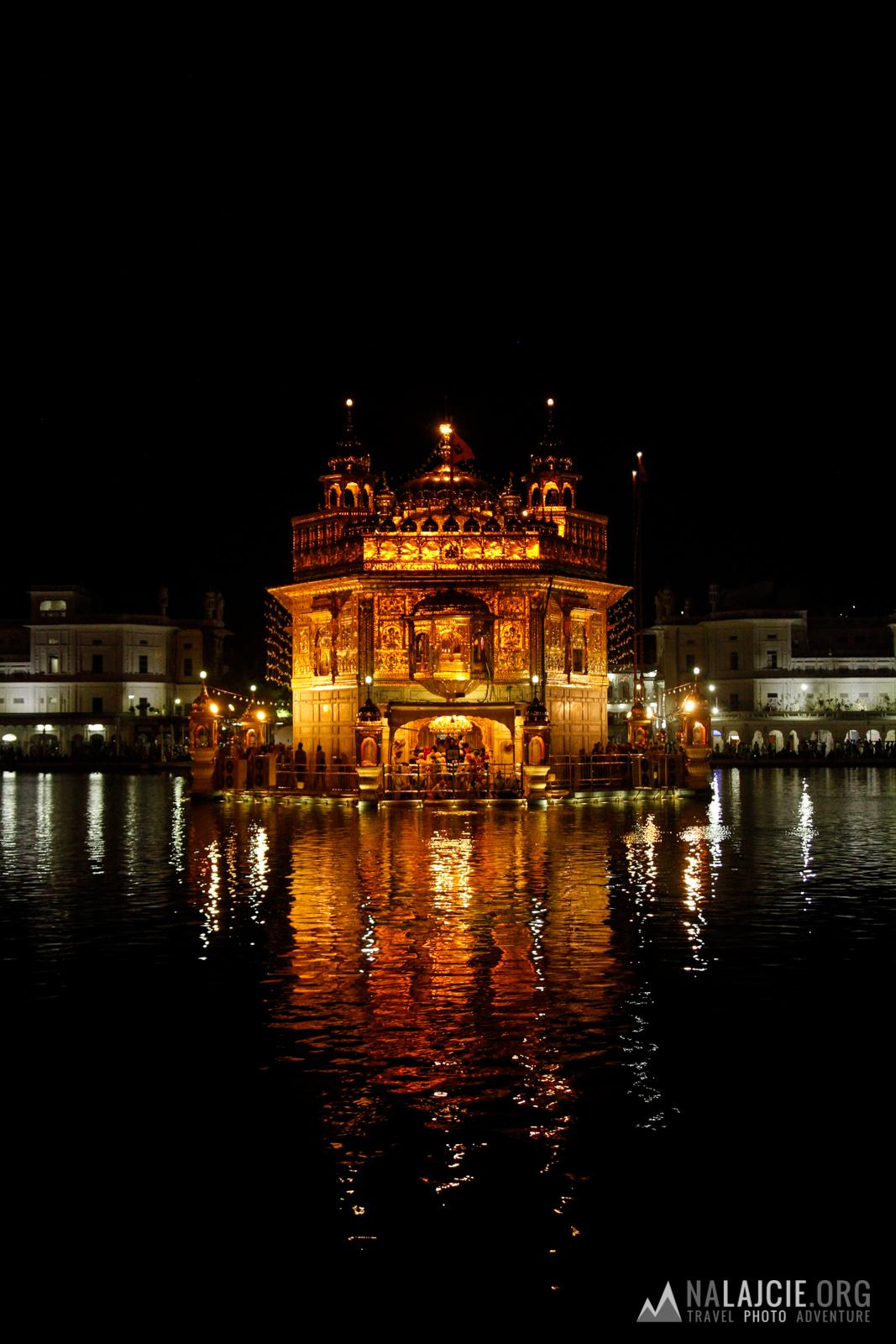 Golden Temple nocą