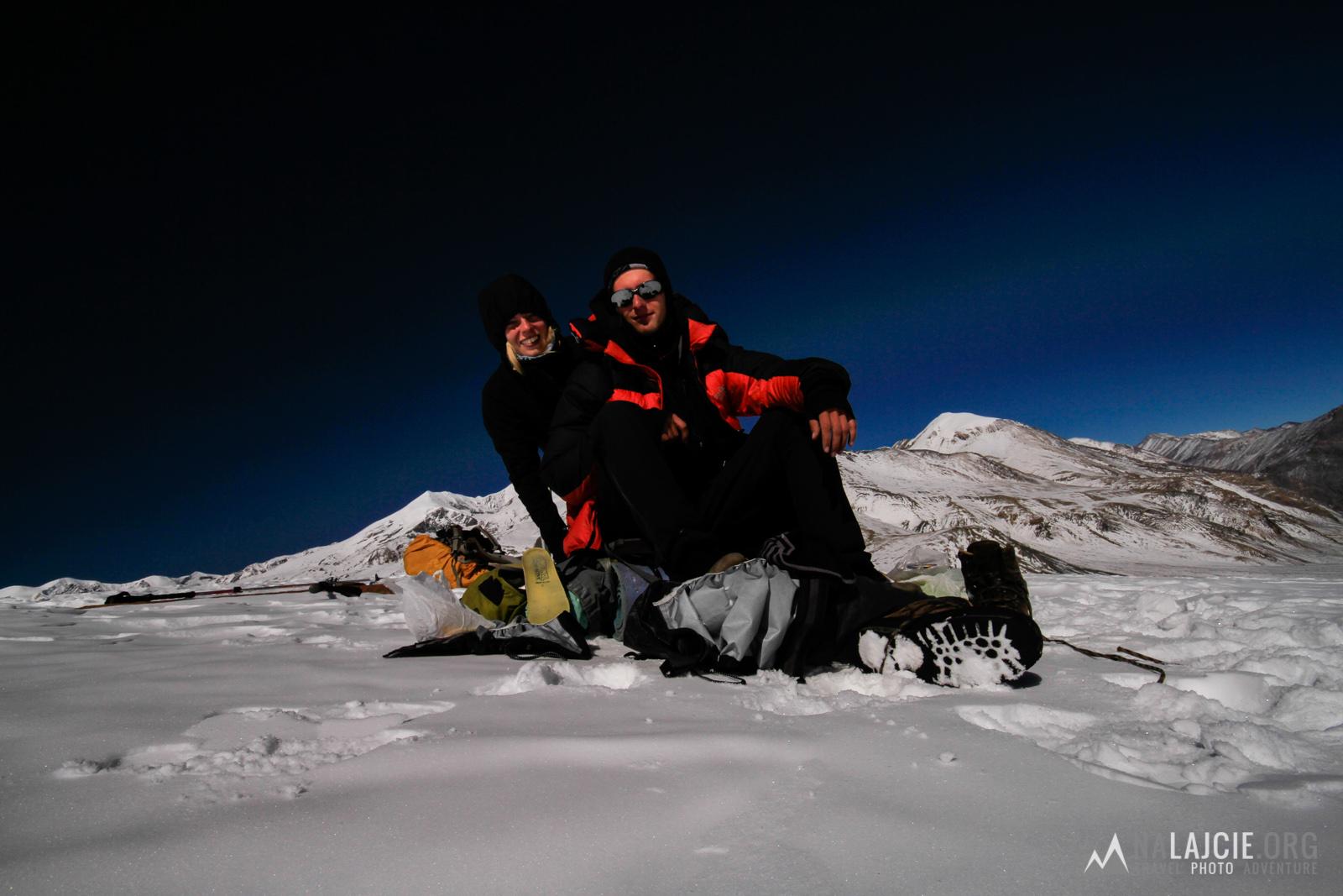 Na przełęczy Dhampus - czas na pół godzinny relaks.