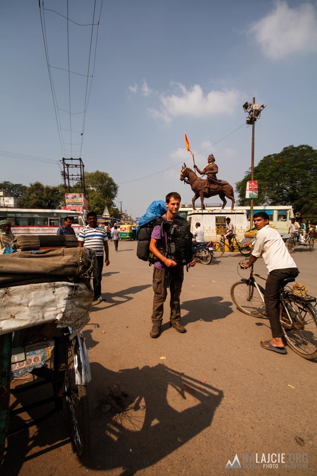 Przejazd do Nepalu - nagrywamy transport z Gorakhpur.