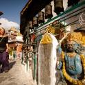 Odwiedzamy buddyjskie świątynie.