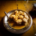 No i wreszcie zasłużony obiad - buff momosy za 50 rupi z miejscowej żarciowni!