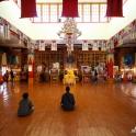 Wewnątrz Chowkhang Gompa