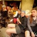 Zaskoczył nas deszcz. Zatrzymaliśmy się na czaj w wiosc Phanjila.