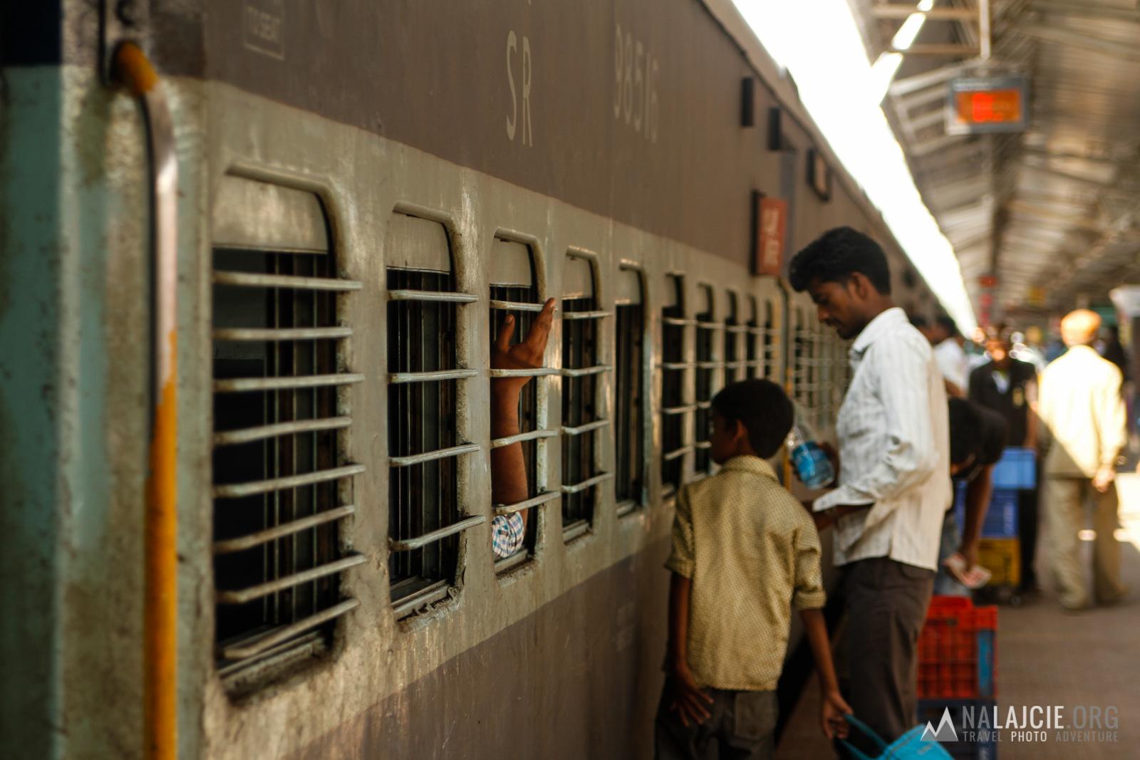 A pociąg jak zwykle się spóźnił!
