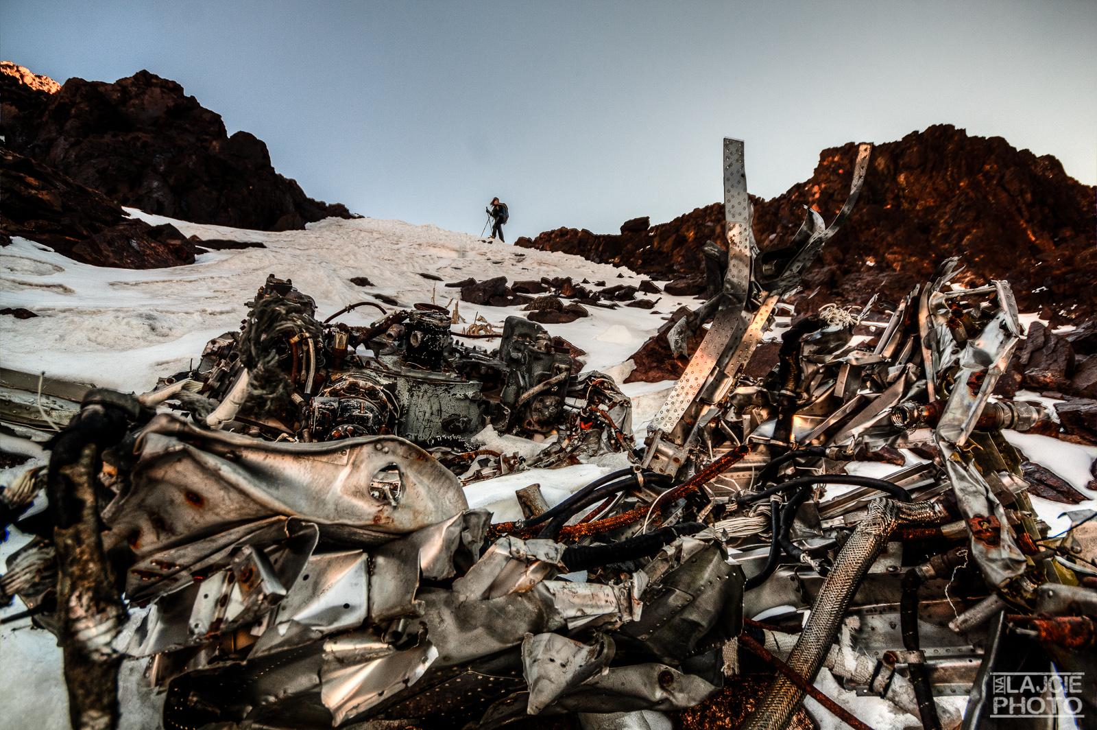 Wrak samolotu, który rozbił się w grani Jbel Toubkal