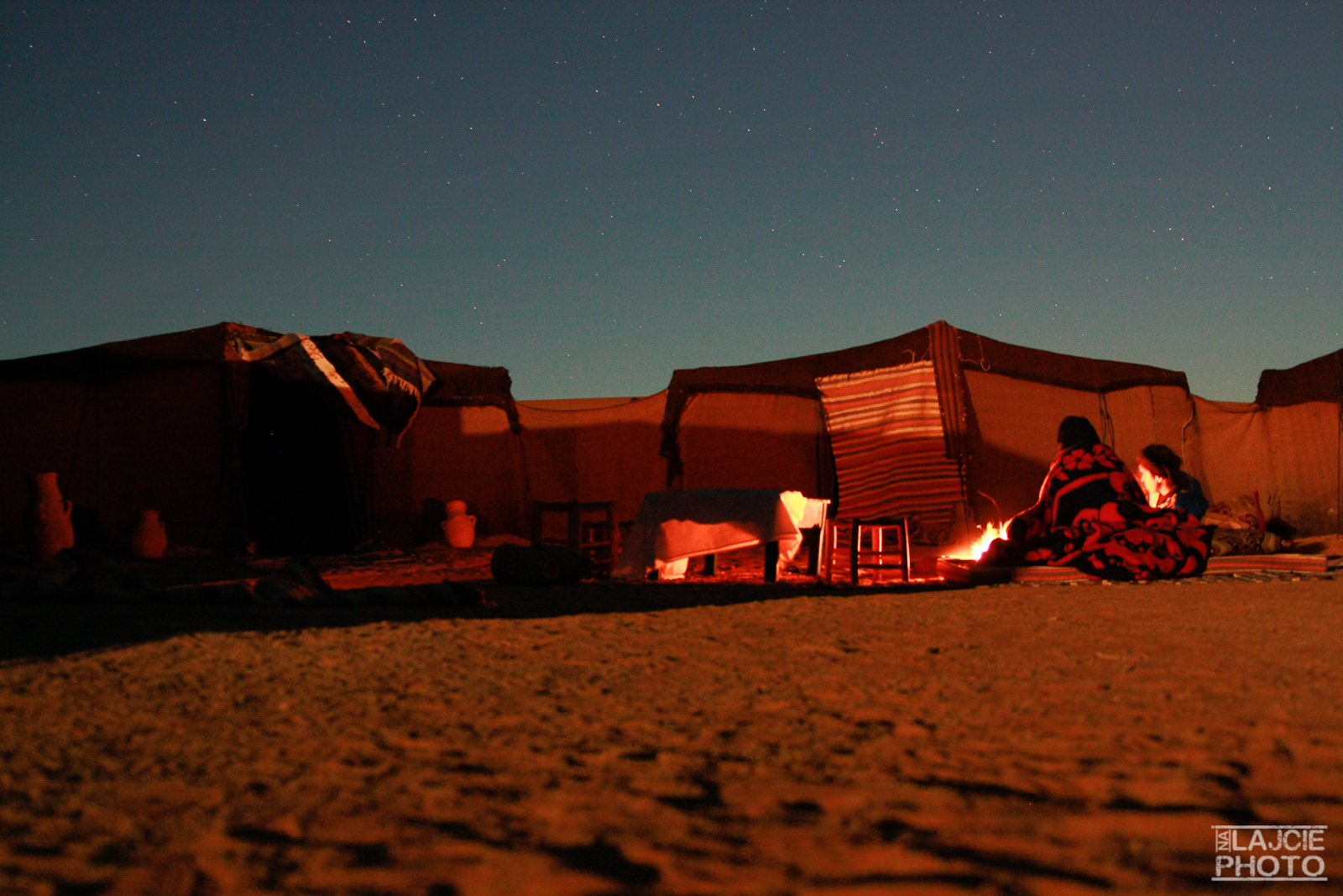 Noc na pustyni - ognisko, gwiazdy i my :)