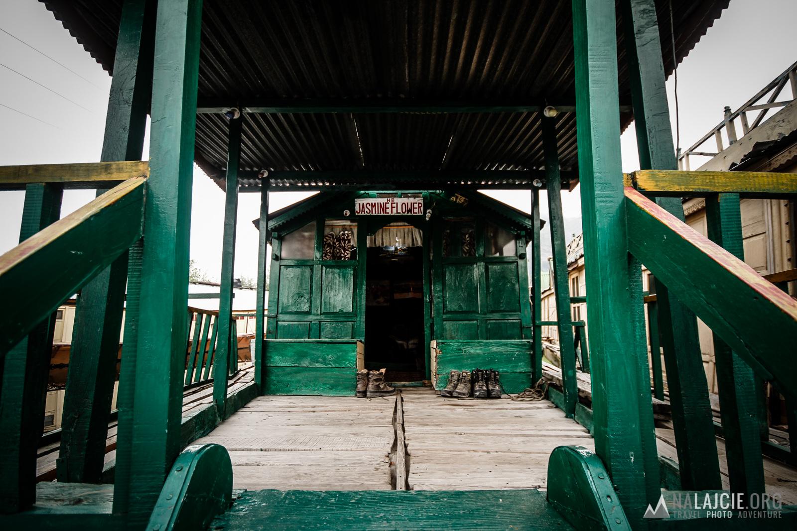 Pierwszy dzień w Srinagarze - nocleg na łodzi.