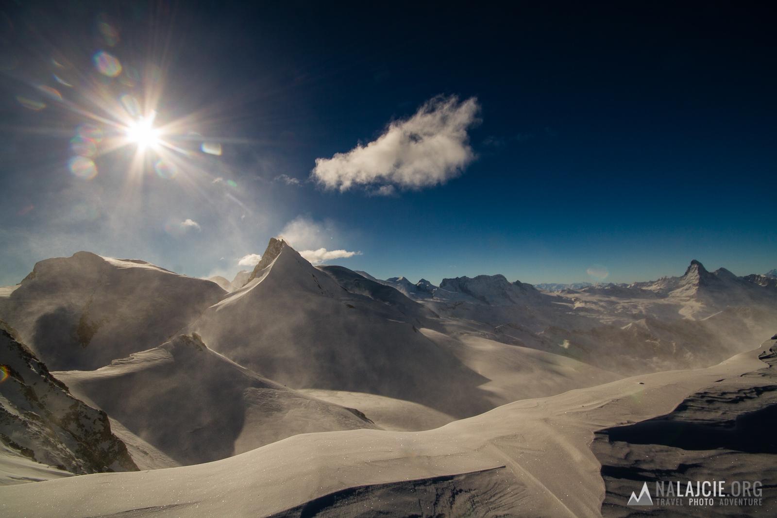 Widok na dolinę Zermatt (Matternhorn, Breithorn, itd)