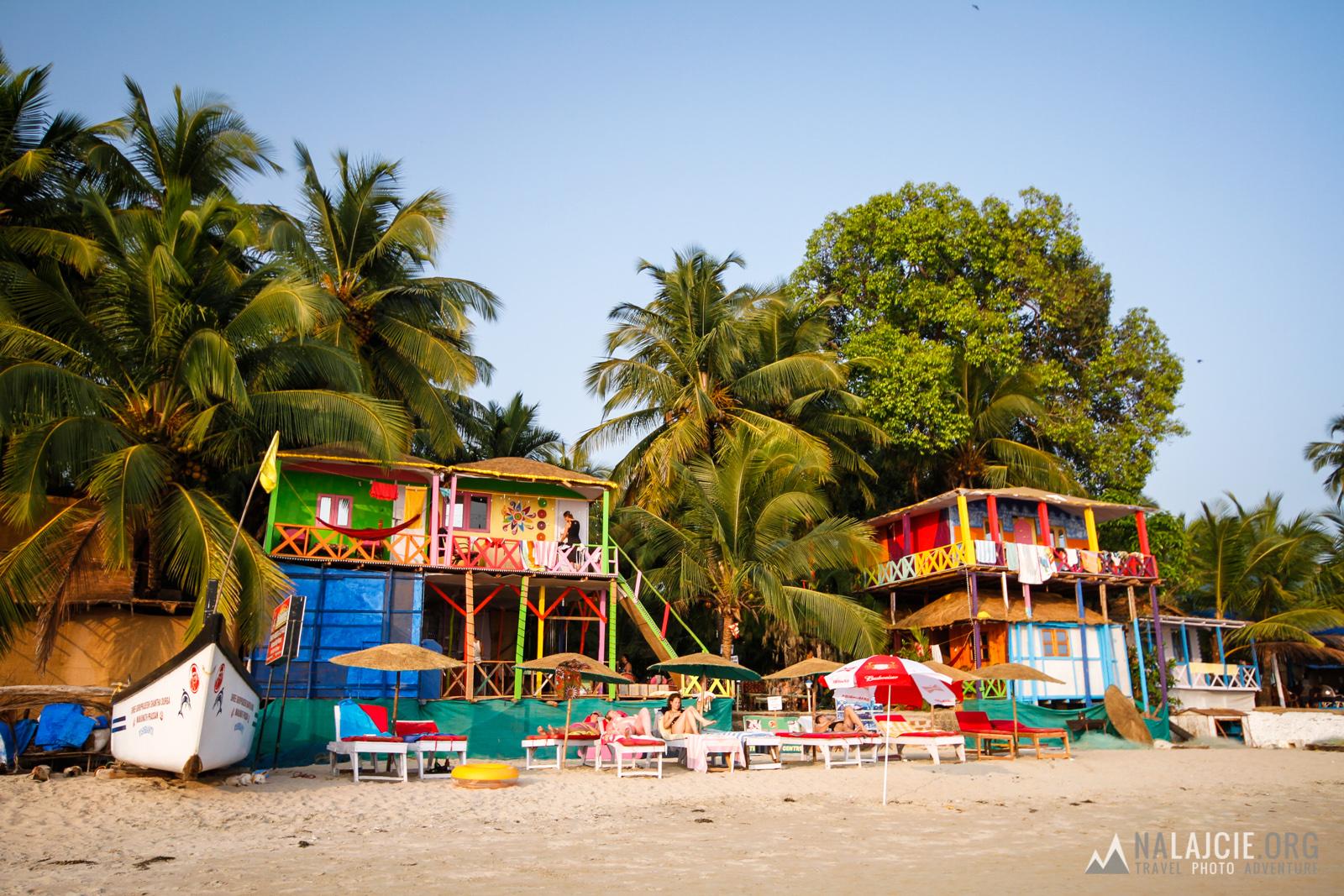 A może nocleg w chatce na plaży?!